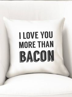Last ones left! Black and white throw pillow cover that reads I love you more than bacon. This cushion will make a funny gift for him or her, for a birthday, graduation or anniversary. Last ones available!  Works with 14 or 35cm pillow inserts. It closes with a zipper at the bottom.