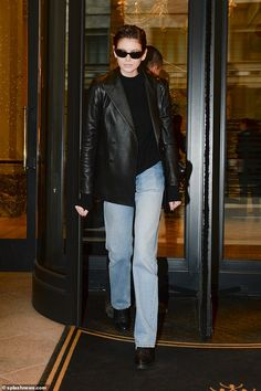 Model Kaia Gerber wears a Polo Ralph Lauren double-breasted leather blazer while in Milan. Black Leather Blazer, Leather Jacket, Leather Coats, Kaia Gerber, Blazer Outfits, Autumn Winter Fashion, Celebrity Style, Normcore, Fashion Outfits