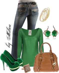 A fashion look from January 2013 featuring long sleeve sweater, faded jeans and brown tote bags. Browse and shop related looks. Fashion 101, Fashion Looks, Fashion Outfits, Womens Fashion, Green Shoes Outfit, Short Outfits, Cute Outfits, Vogue, Polyvore Outfits