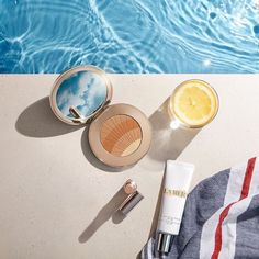 Keep your summer makeup routine light and easy - these essentials from La Mer will give you coverage sun protection and a boost of radiance! Perfect for the girl on the go! #regram @lamer . . . . . #bluemercury #lamer #makeup #welovebeauty #beauty #skincare #sunprotection #spf #bronzer #summerglow #radiance #concealer