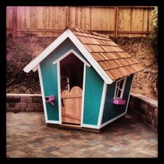 'Crooked' Playhouse - so cute!