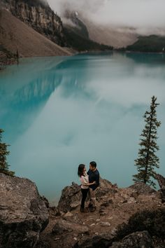 Banff is more than Lake Louise and Moraine Lake. Banff is all about turquoise lakes and gorgeous jagged snow capped mountains that are perfect for your adventure engagement photos and elopement photos | Banff Elopement Photographer | Banff Engagement Photos Inspiration Fall Engagement Outfits, Engagement Photos, Proposal Photos, Moraine Lake, Surprise Proposal, Engagement Photo Inspiration, Banff National Park, Lakes, Beautiful Places