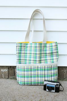 Grosgrain: Free Pattern Month Day 20 - Noodlehead: Summer Madras Tote