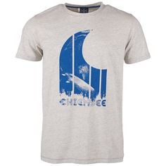Dieses stylische Shirt IRAM bietet das angesagte Label Chiemsee an. Ein trendiger Frontprint peppt das klassische Shirt auf. Das T-Shirt ist lässig geschnitten. Ob im Alltag oder beim Sport, dieses Shirt im feschen Look sollte man sich auf keinen Fall entgehen lassen. In dieser Neuheit punktet man mit Style und genießt vollsten Komfort, denn die Single-Jersey-Qualität ist sehr pflegeleicht, for...