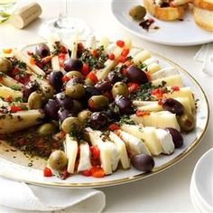 http:https://cdn2.tmbi.com/TOH/Images/Photos/37/300x300/Marinated-Olive---Cheese-Ring_exps137071_TH133086C07_24_2bC_RMS.jpg
