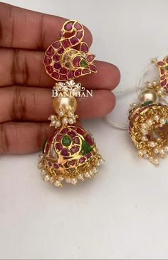 Gold Ring Designs, Gold Earrings Designs, Gold Jewellery Design, Diamond Jewellery, Indian Earrings, Unique Earrings, Flower Earrings, Indian Jewelry, Rajputi Jewellery