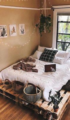 "Obtain terrific ideas on ""bedroom ideas for small rooms"". They are readily available for you on our internet site. ideas for small rooms cozy Free Bedroom Design You Need to Know About New 2019 - Page 26 of 37 - stunnerwoman. Bedroom Ideas For Small Rooms Cozy, Room Ideas Bedroom, Small Room Bedroom, Bedroom Ideas For Small Rooms For Teens, Bedroom Furniture, Simple Rooms, Cheap Bedroom Ideas, Master Bedrooms, Cute Room Decor"