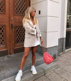 Matilda Djerf - Just another WeAreCube site Spring Summer Fashion, Spring Outfits, Trendy Outfits, Autumn Fashion, Fashion Outfits, Paris Outfits, Style Summer, Simple Outfits, Summer Outfit