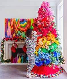 colorful christmas tree 5 Ideas for Creating the Most Beautiful Rainbow Christmas - Carrie Colbert Harry Potter Christmas Decorations, Retro Christmas Decorations, Christmas Tree Themes, Holiday Tree, Christmas Crafts, Xmas Tree, Holiday Decor, Rainbow Christmas Tree, Simple Christmas