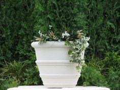 The Bristol planter is a classic rural planter design which is named from the the coastal city in South West England. Produced by dry tap by Nichols Bros.