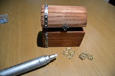 tutorial - how to make miniature trunk - very well illustrated