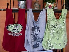 Simple shopping bags made from old t-shirts - I NEVER wear tee's but seem to accumulate them anyway. - Ginn Art Threads: Wednesday Sewing - Repurposed T-shirt Bags Shirt Bag, T Shirt Diy, Diy Clothing, Sewing Clothes, Clothes Refashion, Sweater Refashion, Recycled Clothing, Fashion Sewing, Diy Fashion