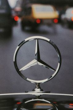 Mercedes Benz _ Gottlieb Daimler _ The three-pointed star represents Daimler engines' use in cars, boats and planes (land, sea & air) Mercedes 180, Mercedes Benz Logo, Mercedes Concept, Mercedes Benz Wallpaper, Mercedez Benz, Car Logos, Car Wallpapers, Sport Cars, Exotic Cars