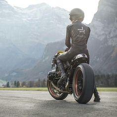 VTR Customs & Sabine Holbrook for Taveri Moto - RocketGarage - Cafe Racer Magazine Style Cafe Racer, Cafe Racer Girl, Bmw Cafe Racer, Cafe Racers, Retro Bikes, Bmw Boxer, Ducati Monster, Triumph Motorcycles, Vespa Vintage