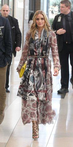 Pin for Later: Da soll noch mal jemand behaupten die Kleider vom Laufsteg seien nicht tragbar Olivia Palermo in Burberry Herbst/Winter 2014