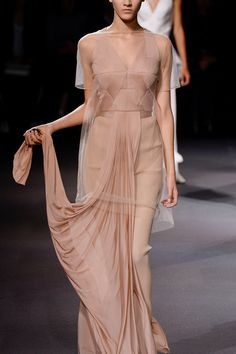 GIVENCHY RUNWAY @sommerswim