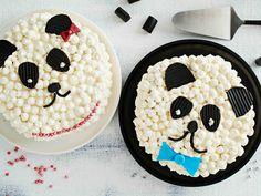 Söpö pandakakku ilahduttaa erityisesti pientä synttärisankaria. Kääretortusta kootun kakun voi somistaa vaikka ruseteilla ja sokerihelmillä päivänsankarin...