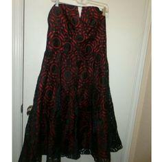 Nicole Miller Platinum Dress Size 16.