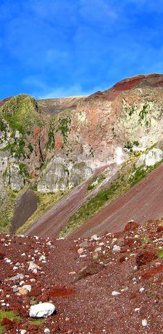 Inside the Tarawera rift -  Mount Tarawera produced New Zealand's largest historic eruption.