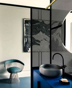 An Apartment In Paris Featuring Pieces From The History Of Design: French Metal Rack by Marcante – Testa Architetti Bathroom Trends, Bathroom Interior, Modern Bathroom, Parisian Bathroom, Neutral Bathroom, Metal Rack, Elle Decor, Amazing Bathrooms, Bathroom Inspiration