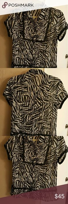 Large Women's Blouse Large Women's Blouse - My Collection, great condition My Collection Tops Blouses