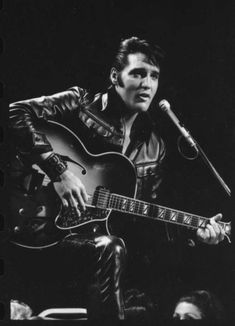 A comeback TV special changed everything for Elvis 50 years ago - Houston Chronicle Elvis Presley Wallpaper, Elvis Presley Images, Elvis Presley Albums, Elvis Presley Posters, Abstract Watercolor Art, Easy Watercolor, Caught In A Trap, The Pussycat, Vampire Weekend