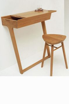 Small Living- tips & tricks by All-In Living- Ercol Quello Table