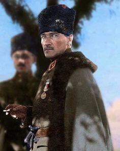 Mustafa Kemal Atatürk Jan Historical figures of the world, World War 1 Istanbul, Turkish Army, The Legend Of Heroes, Winter Hats, Winter Jackets, The Valiant, The Turk, Great Leaders, Ottoman Empire