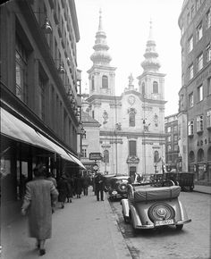 Kirchengasse 1930s Scenery Pictures, Old Pictures, Vintage Photography, Street Photography, Austro Hungarian, World Cities, Vienna Austria, Retro, Time Travel