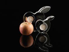 Suporturi lumânare Apple transparente cu cristale Swarovski Implexions Swarovski, Cufflinks, Apple, Accessories, See Through, Apple Fruit, Wedding Cufflinks, Apples, Jewelry Accessories