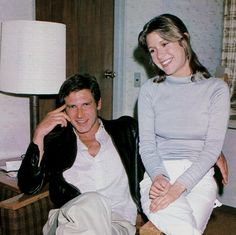Harrison Ford & Carrie Fisher on the set of, 'The Empire Strikes Back', 1980 - Carrie Frances Fisher, Johnlock, Destiel, Por Tras Das Cameras, Star Wars Cast, Han And Leia, Star Wars Pictures, Star Wars Wallpaper, Star War 3