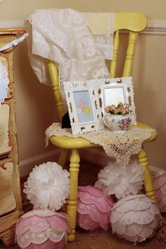 doily covered balloons....how vintage chic