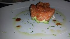 Tartar de salmón y aguacate ,  3,50€