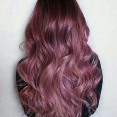 28 Trendy Lilac Hair Shades Chocolate Lilac Hair Ideas is the Delicious New Color Trend ★ See more: Cabelo Rose Gold, At Home Hair Color, Hair Color Purple, Purple Ombre, Hair Colours, Pink Purple Hair, Hot Pink Hair, Beautiful Hair Color, Hair Shades