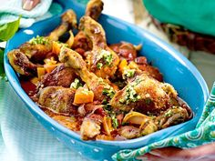 Our popular recipe for chicken legs alla Ossobuco and more than other free recipes on LECKER. Our popular recipe for chicken legs alla Ossobuco and more than other free recipes on LECKER. Chicken Leg Recipes, Pork Recipes, Slow Cooker Recipes, Chicken Legs, Romantic Dinner Recipes, Easy Dinner Recipes, Easy Meals, Slow Cooked Beef, Gourmet