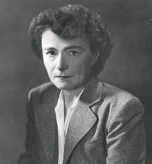 Gerty Cori (1896 – 1957) fue una bioquímica estadounidense nacida en Praga,  que se convirtió en la tercera mujer en el mundo y primera en Estados Unidos en ganar un Premio Nobel en Ciencias y la primera mujer a nivel mundial en ser galardonada con el Premio Nobel de Fisiología o Medicina.  El premio le fue otorgado por descubrir el mecanismo por el cual el glucógeno se convierte en ácido láctico en el tejido muscular y luego es resintetizado en el cuerpo y almacenado como fuente de energía.