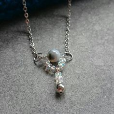 Necklace with Czech beads and agate stone. www.disorti.etsy.com