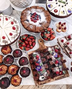 Hope you all had a sweet weekend ❤️ what would you pick? ✨моя любимая рубрик