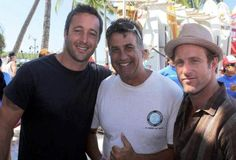 FANTASTIC! After our dry spell of 2 weeks, we got some great footage from the Hawaii Five-0 set during the week and of Alex with fans at the HIFI Fashion seminar on Friday night. Please be aware t…