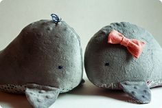 FREE pattern and tutorial to make these cute stuffed whales.