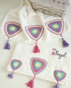 Hayırlı nurlu cumalar 🌹🌹 Ekranı kaydırmayı unutmayalım 😊😊#krlent #knittin #krlent #örgumodelleri #örgüaşkım #özeltasarım #crochet Crochet Borders, Crochet Diagram, Crochet Motif, Crochet Designs, Crochet Doilies, Crochet Flowers, Crochet Stitches, Crochet Patterns, Diy Crochet And Knitting