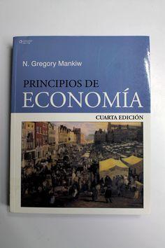 Este libro nos explica, de manera clara y sencilla, los diferentes temas de economía, como los mercados, el dinero, el comportamiento de los precios, la economía del sector público, la oferta, la demanda, la política económica, el monopolio, el oligopolio, la inflación y la hiperinflación. Es una excelente opción para tu primer curso de economía.
