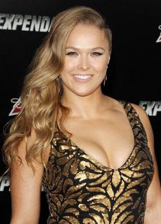 Ronda Rousey: The Expendables 3 LA Premiere Ronda Rousey Pics, Ronda Rousey Hot, Ronda Jean Rousey, Wwe Female Wrestlers, Female Athletes, Ronda Rousy, Rousey Wwe, Rowdy Ronda, Ufc Women