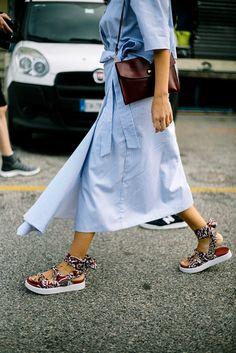 Street Style de Milan Fashion Week Primavera Verano 2017   Galería de fotos 13 de 91   VOGUE