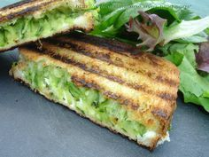 The croque-monsieur, we make them in a very short time and we enjoy three times nothing, so why deprive them? For 4 crunches 2 small zucchini 4 portions of kiri 8 slices of white bread 1 tsp. Veggie Recipes, Fish Recipes, Vegetarian Recipes, Healthy Recipes, Dinner Recipes, No Cook Meals, Kids Meals, Easy Cooking, Cooking Recipes