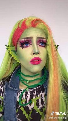 Monster High Cosplay, Monster High Makeup, Rave Makeup, Edgy Makeup, Cool Makeup Looks, Creative Makeup Looks, Personajes Monster High, Amazing Halloween Makeup, Maquillaje Halloween
