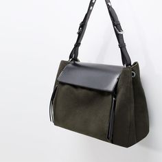 Image 5 de Sac coulissé en cuir de Zara