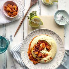 Data viitoare cand ti se face pofta de fasole batuta, tine minte doua lucruri: 1. Adauga o lingurita (sau doua) de tahini in the mix. 2. Pastreaza separat niste boabe de fasole. Prajeste-le in ulei amestecat cu o lingurita (sau doua) de harissa. Sa-ti fie de bine 👌 #fasolebatuta #nuchiarcalamamaacasa Mexican, Ethnic Recipes, Pie, Mexicans