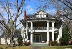 Hope Floats house, today ... I actually traveled to Smithville,Texas, after seeing the movie ... I wanted to buy this house. :-)