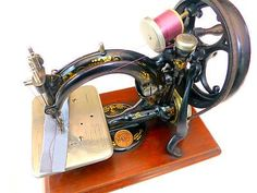 VINTAGE OLD ANTIQUE HAND SEWING MACHINE WILLCOX & GIBBS CHAIN STITCH AMAZING